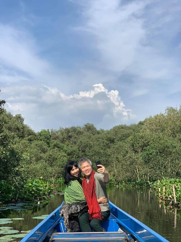 Thanh Lam va ban trai bac si ngay cang man nong, ngong dam cuoi-Hinh-5