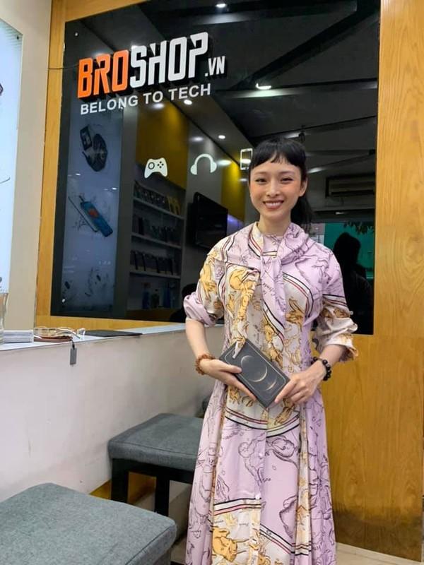 Bat ngo nhan sac khac la cua Hoa hau Truong Ho Phuong Nga-Hinh-2