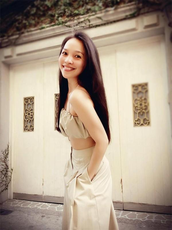 Ca si Hien Thuc vong 1 lep kep van goi cam dot mat-Hinh-11