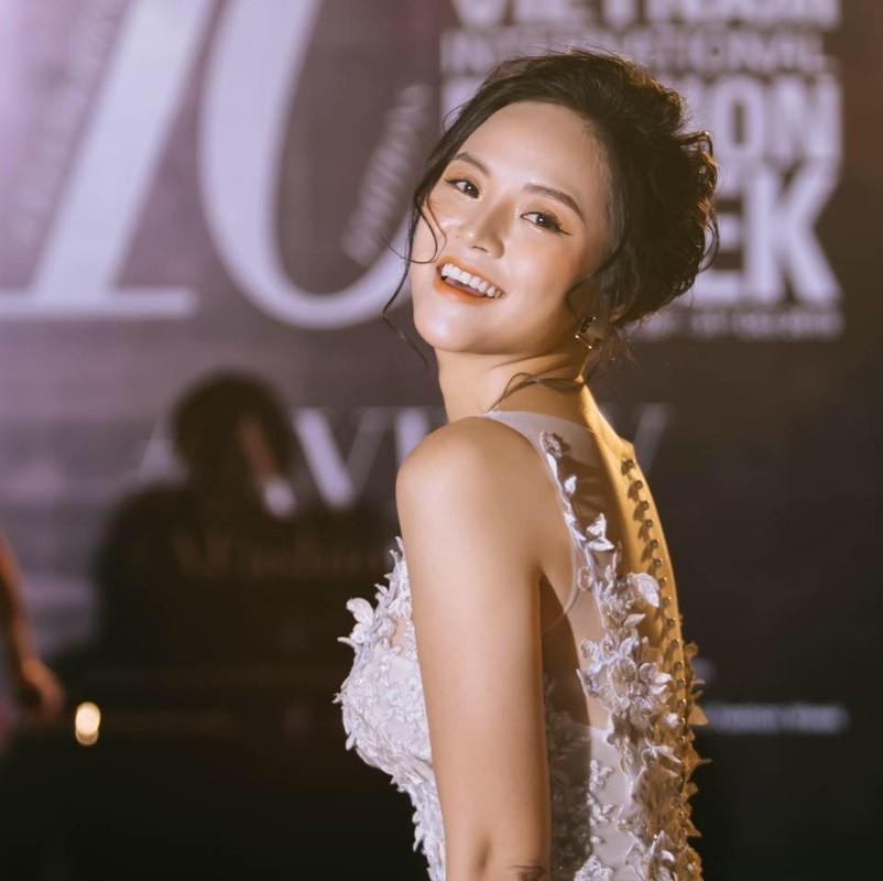 "Doi tu on ao cua Thu Quynh dong tieu tam phim ""Lua am""-Hinh-5"