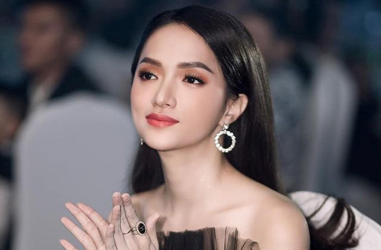 """Hoa hau Huong Giang va loat sao bi """"nem da"""" nhieu nhat nam 2020-Hinh-5"""