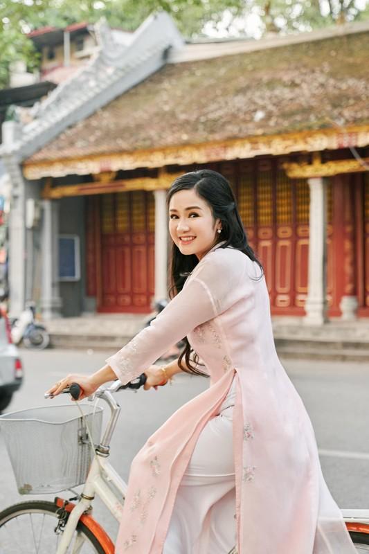 Soi cuoc song cua NSND Thu Ha sau nhieu nam vang bong-Hinh-6