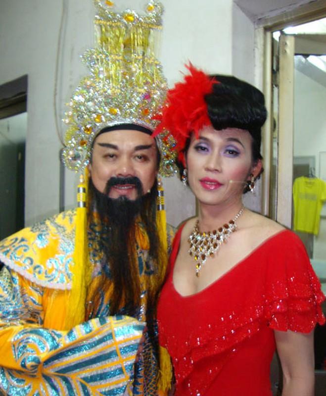 "Nguong mo tinh ban hon 20 nam cua ""cap bai trung"" Chi Tai - Hoai Linh-Hinh-9"