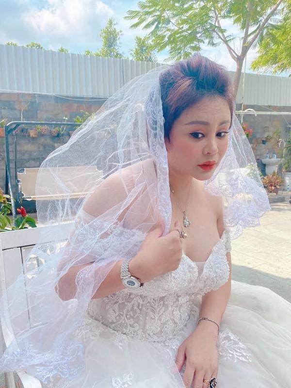 """Bi dang anh da nhan nheo, nhan sac Le Giang ra sao hau """"dao keo""""?-Hinh-8"""