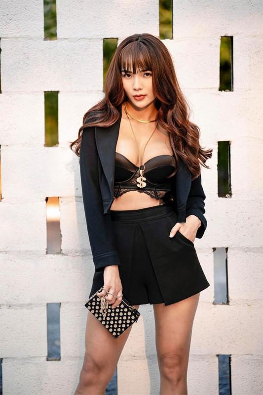 Vo Ung Hoang Phuc tre xinh phat hon du 3 lan sinh con-Hinh-12