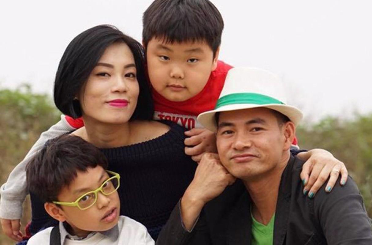 Cuoc song vien man cua Xuan Bac ben vo dep va 3 con trai-Hinh-5