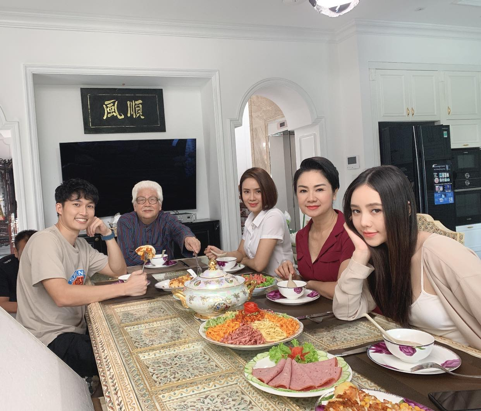 "Quynh Kool thoat mac hot girl Kem Xoi hoa ""ngoc nu"" man anh-Hinh-7"
