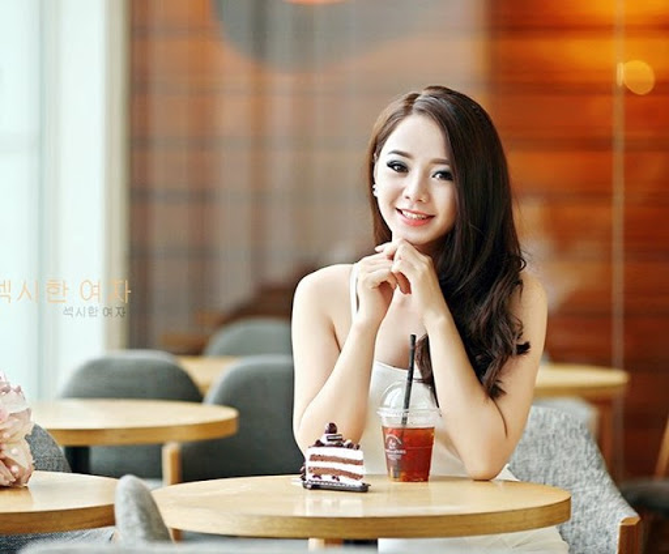 "Quynh Kool thoat mac hot girl Kem Xoi hoa ""ngoc nu"" man anh"