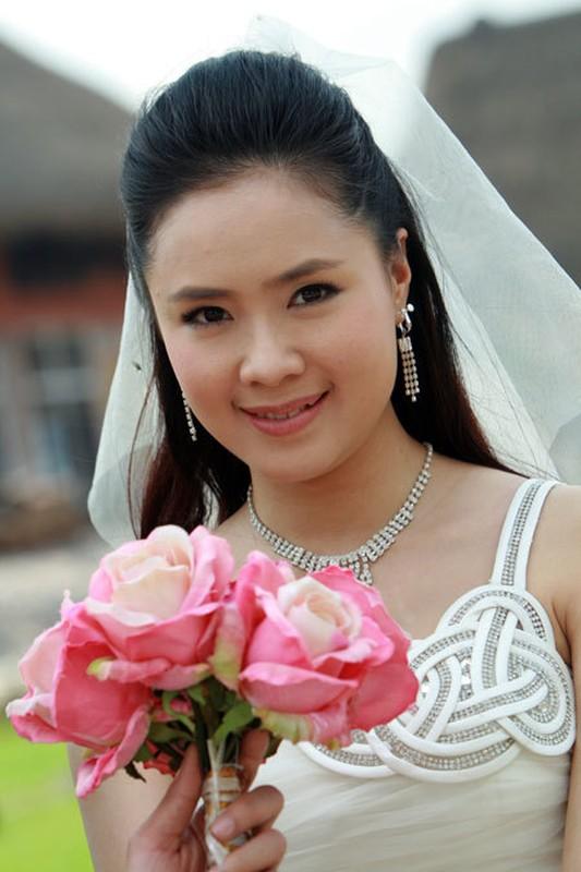 Hong Diem tung thi hoa hau va hon nhan kin tieng ben chong doanh nhan-Hinh-6