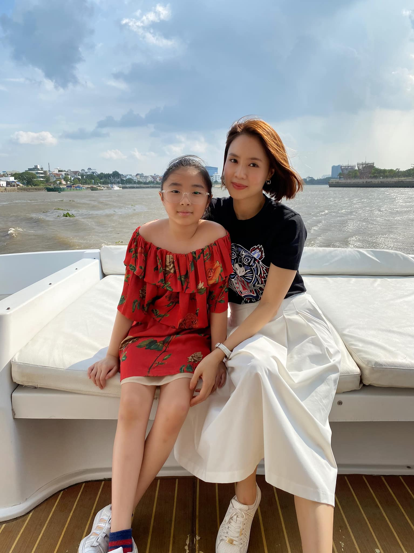 Hong Diem tung thi hoa hau va hon nhan kin tieng ben chong doanh nhan-Hinh-9