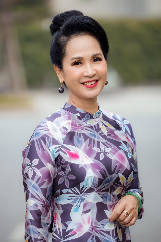 Phat ghen to am hanh phuc cua NSND Lan Huong o tuoi 60