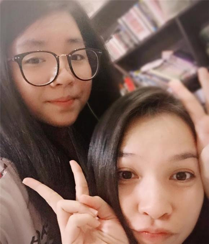 Hien Thuc tre phat hon khi chup anh cung con gai-Hinh-11