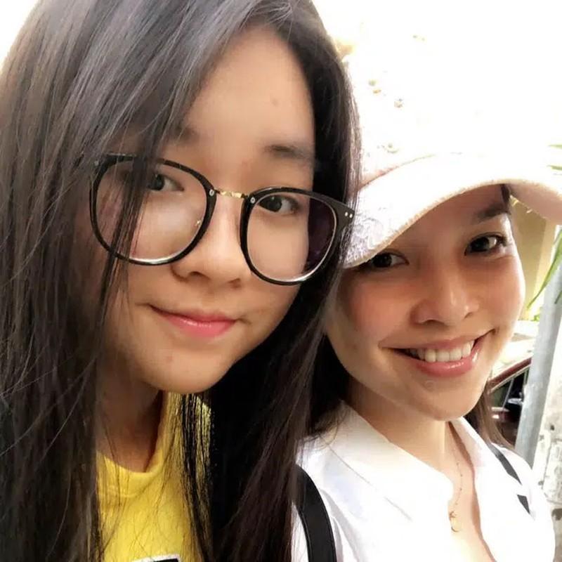 Hien Thuc tre phat hon khi chup anh cung con gai-Hinh-4