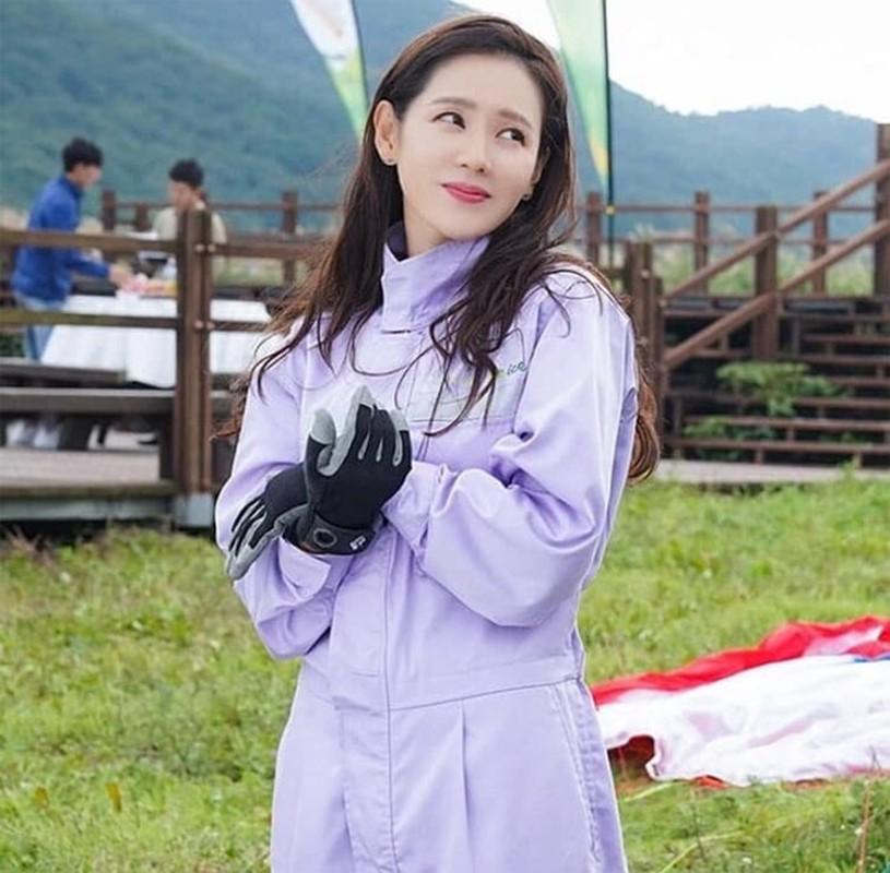 Nhan sac khong tuoi cua Son Ye Jin khien Hyun Bin me man-Hinh-2