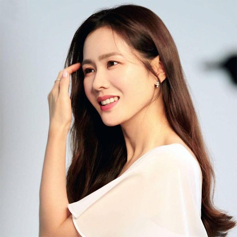 Nhan sac khong tuoi cua Son Ye Jin khien Hyun Bin me man