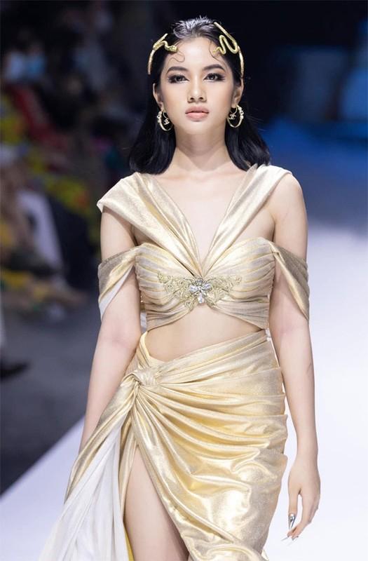 Nhan sac nguoi tinh tin don kem 27 tuoi cua chong cu Le Quyen-Hinh-10