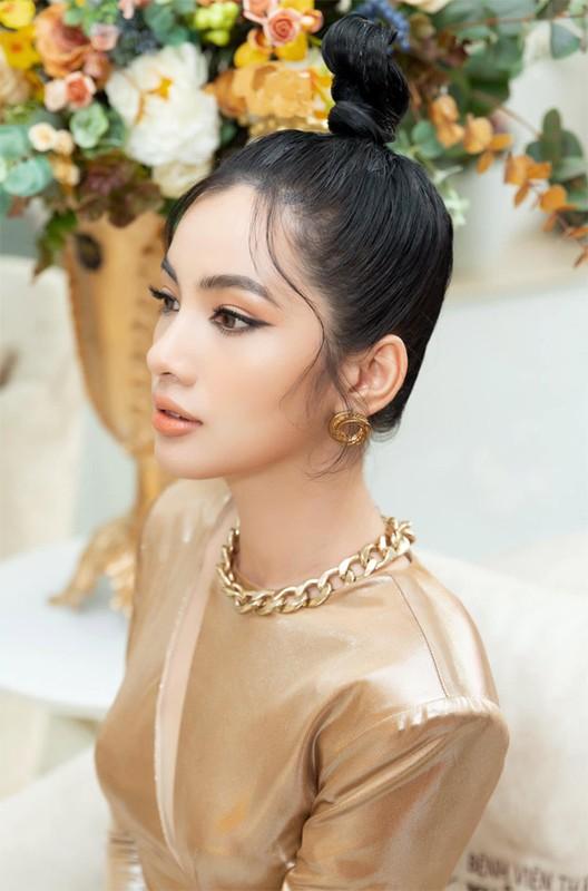 Nhan sac nguoi tinh tin don kem 27 tuoi cua chong cu Le Quyen-Hinh-11