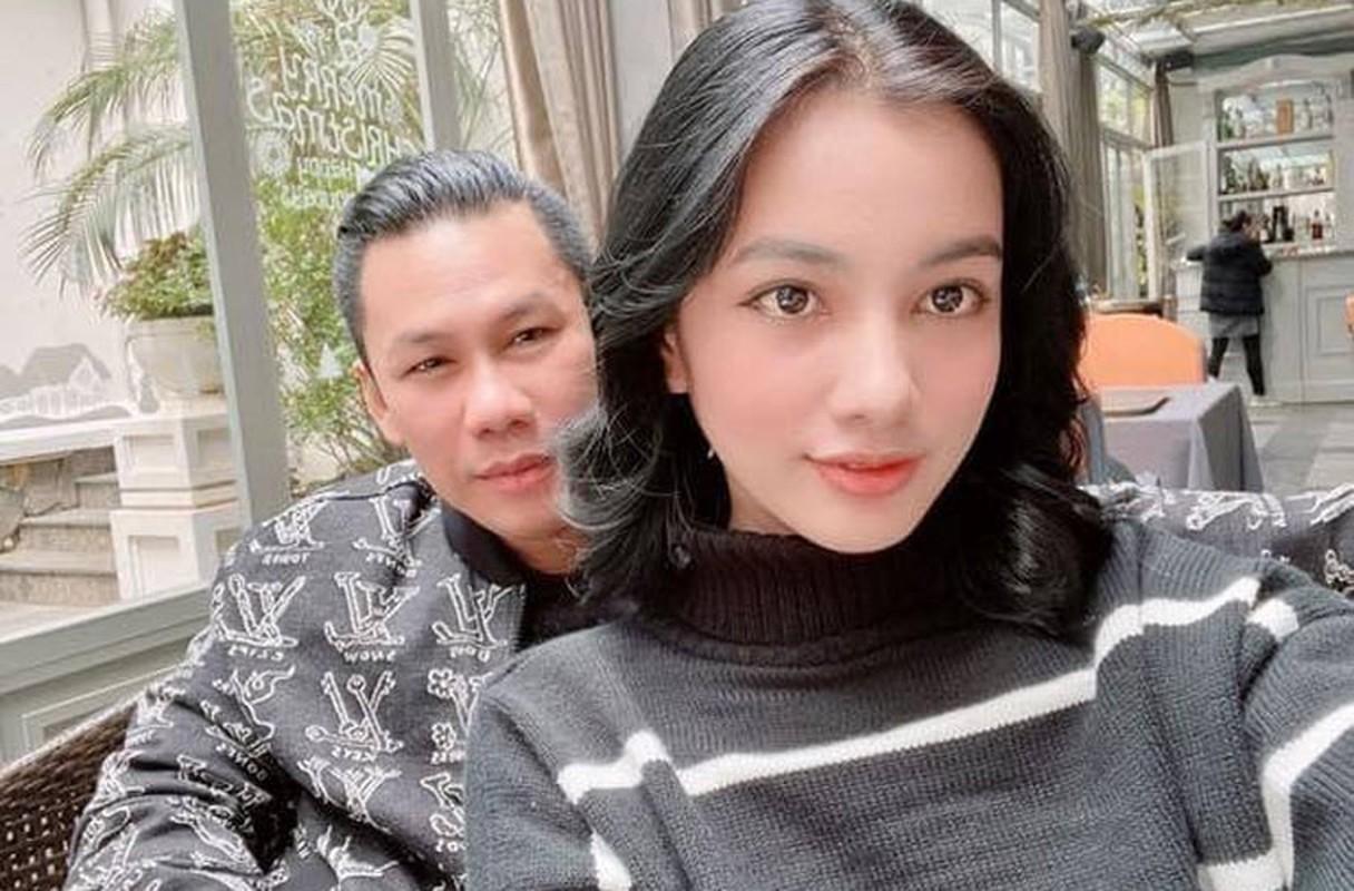 Nhan sac nguoi tinh tin don kem 27 tuoi cua chong cu Le Quyen