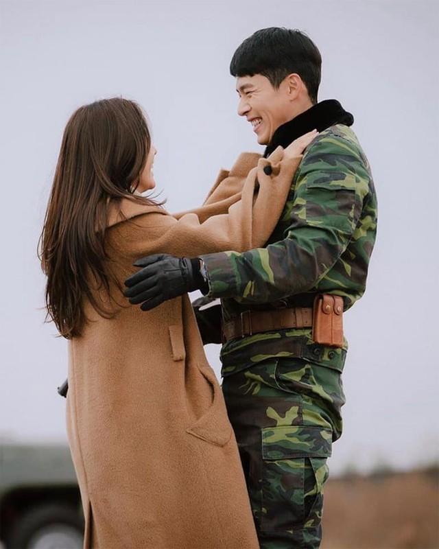 Loat anh tinh phat ghen cua Son Ye Jin va Hyun Bin-Hinh-11