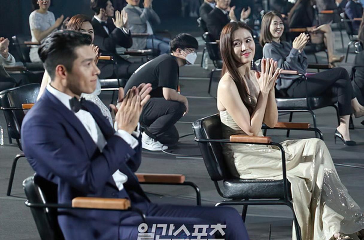Loat anh tinh phat ghen cua Son Ye Jin va Hyun Bin-Hinh-6