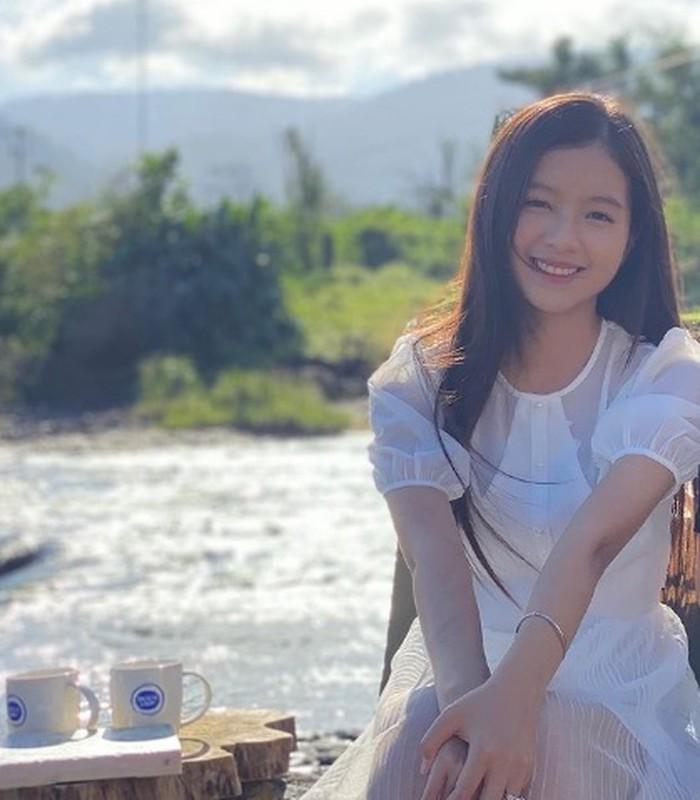 "Nhan sac hot girl Ngoai Thuong vao vai nguoi o trong ""Cau Vang""-Hinh-6"