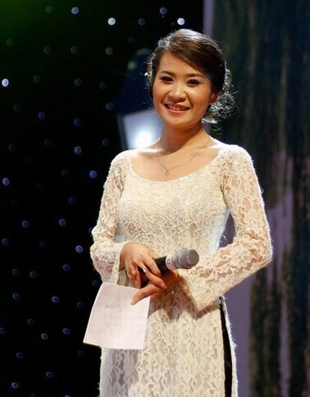 """Vo dep con xinh cua """"Giao su Xoay"""" Dinh Tien Dung-Hinh-3"""