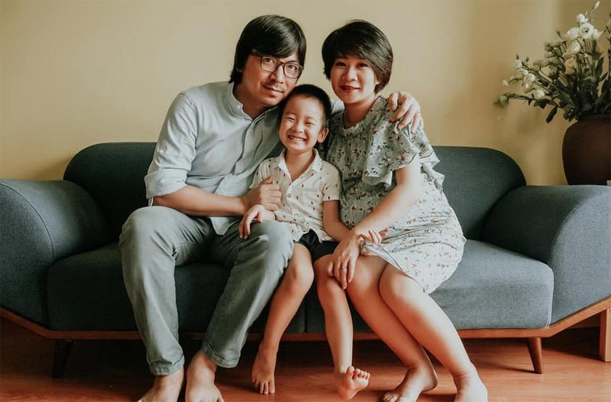 """Vo dep con xinh cua """"Giao su Xoay"""" Dinh Tien Dung-Hinh-7"""