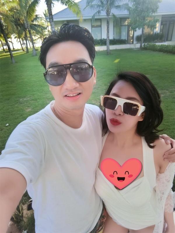 To am cua MC Thanh Trung va vo cuu tiep vien hang khong-Hinh-9