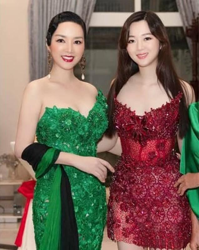 Nguong mo nhan sac nhu chi em cua me con nha my nhan Viet-Hinh-7