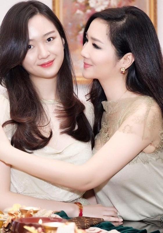 Nguong mo nhan sac nhu chi em cua me con nha my nhan Viet-Hinh-8