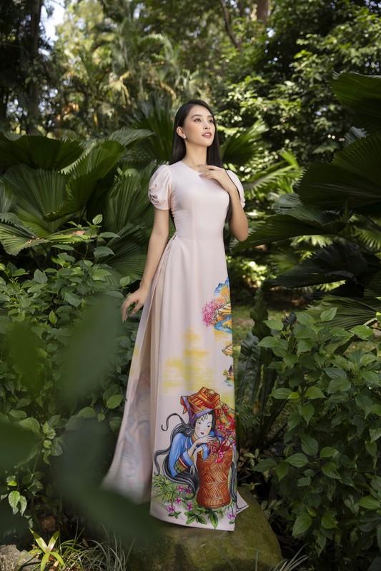 """Hoa hau Tieu Vy dep """"gay me"""" trong ta ao dai Tet-Hinh-12"""