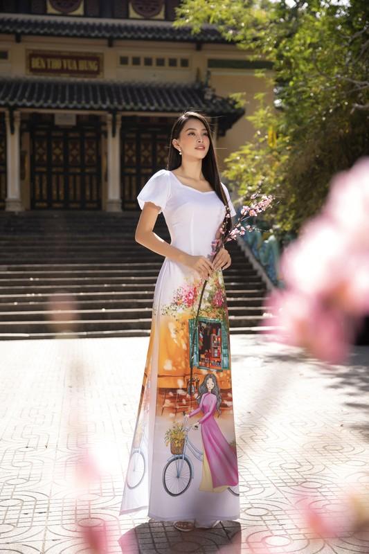 """Hoa hau Tieu Vy dep """"gay me"""" trong ta ao dai Tet-Hinh-5"""