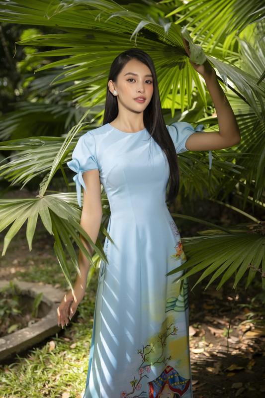 """Hoa hau Tieu Vy dep """"gay me"""" trong ta ao dai Tet-Hinh-8"""