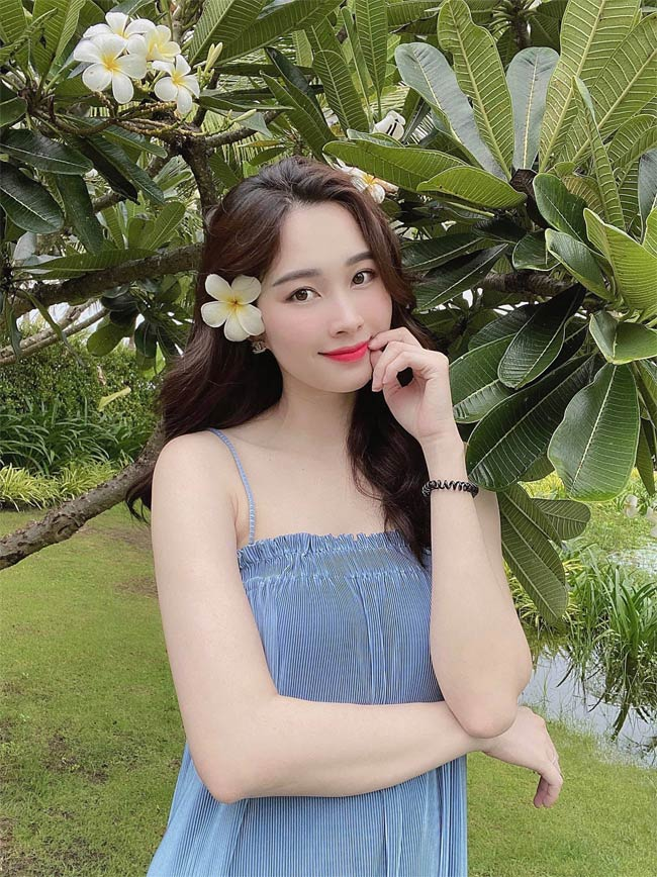 Da hai con, Hoa hau Dang Thu Thao van xinh het phan thien ha!-Hinh-6