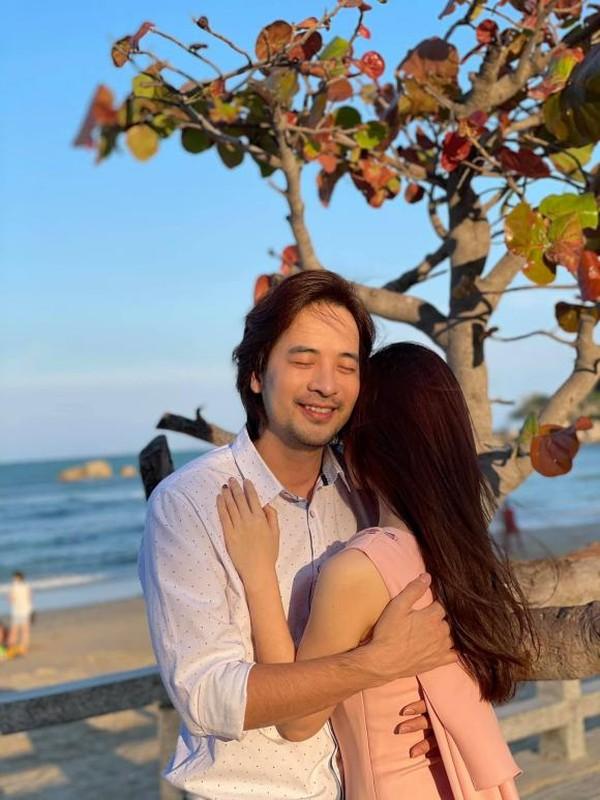 Nhan sac ban gai kem 16 tuoi cua Doan Minh Tai