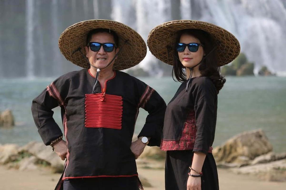 Nghe si Chi Trung hanh phuc ben ban gai xinh dep kem 17 tuoi-Hinh-5
