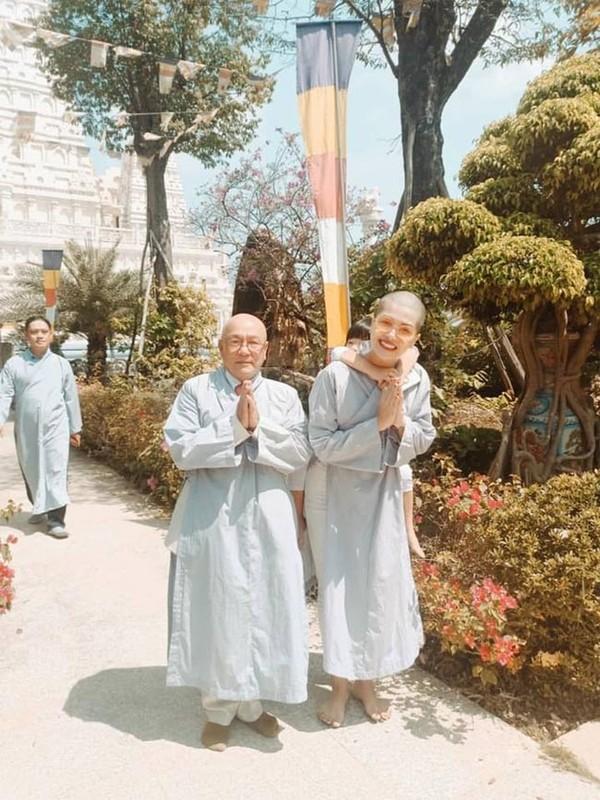 Nhan sac Hoa hau 6 con Oanh Yen khi cao dau troc loc-Hinh-2