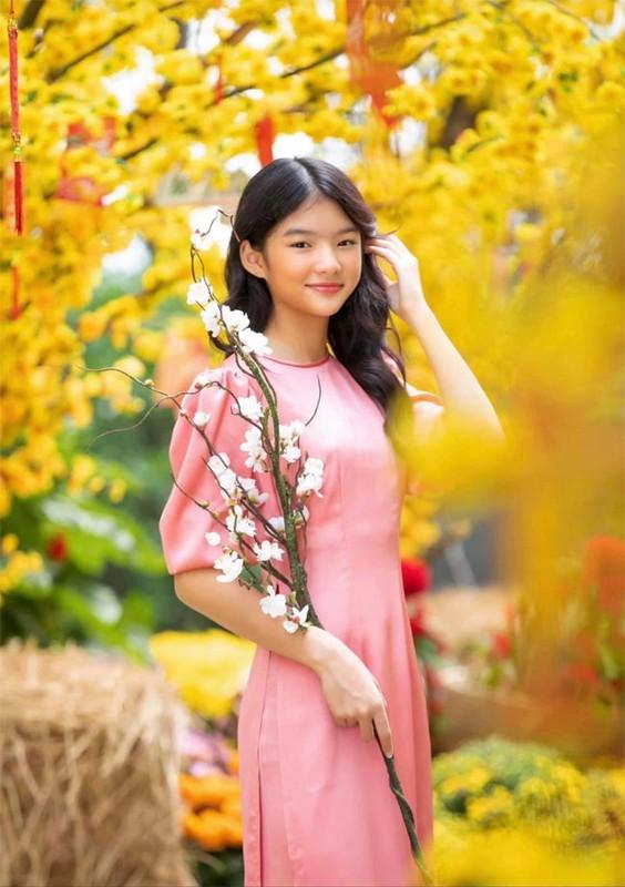 Con gai Truong Ngoc Anh - Tran Bao Son ra dang thieu nu o tuoi 13-Hinh-3