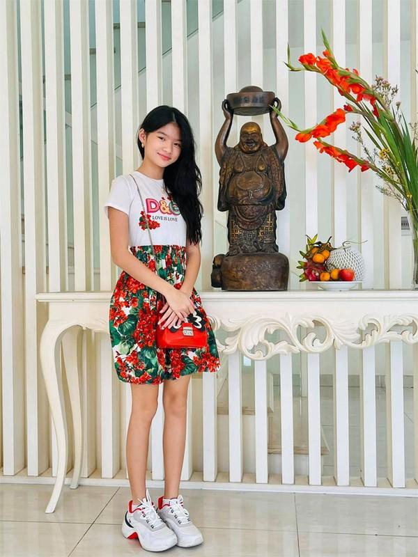 Con gai Truong Ngoc Anh - Tran Bao Son ra dang thieu nu o tuoi 13-Hinh-4