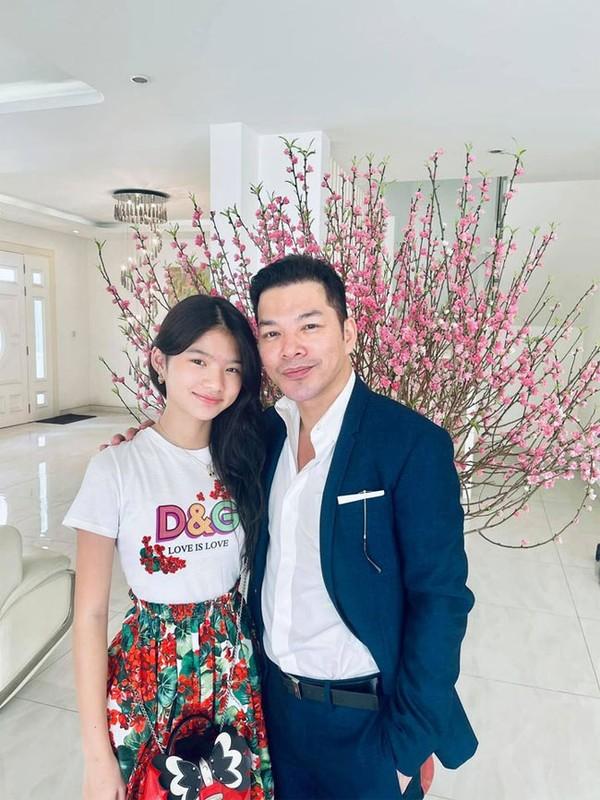 Con gai Truong Ngoc Anh - Tran Bao Son ra dang thieu nu o tuoi 13
