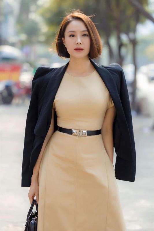 """Hong Diem """"Huong duong nguoc nang"""" tre xinh phat hon o tuoi U40-Hinh-10"""
