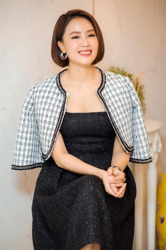 """Hong Diem """"Huong duong nguoc nang"""" tre xinh phat hon o tuoi U40-Hinh-5"""