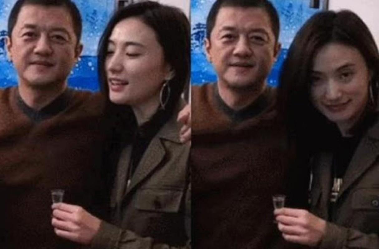 Ban gai kem 19 tuoi cua Ly A Bang xinh nhu hoa hau-Hinh-2