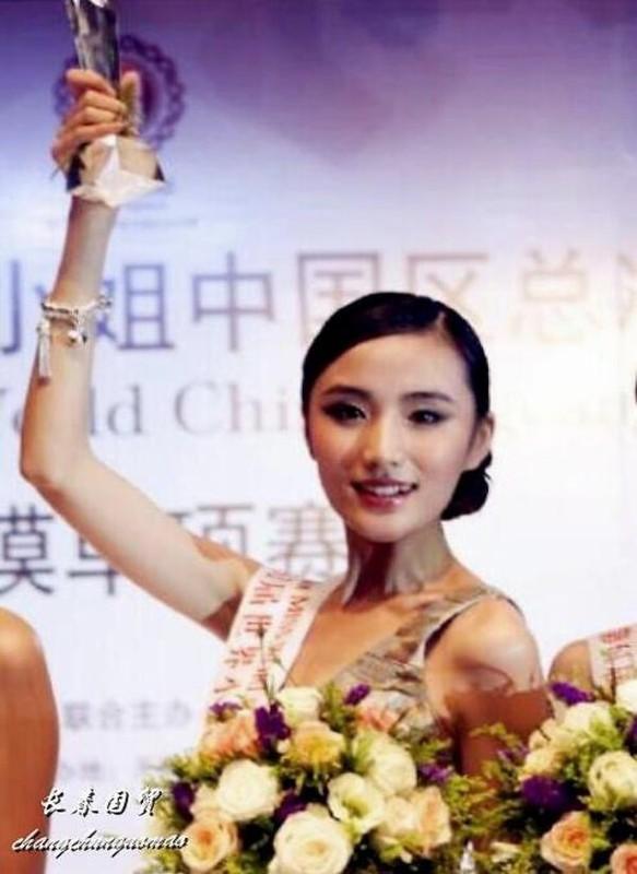 Ban gai kem 19 tuoi cua Ly A Bang xinh nhu hoa hau-Hinh-4