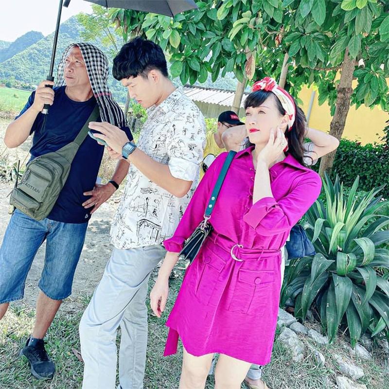 "He lo loat anh thu vi hau truong phim ""Huong duong nguoc nang""-Hinh-14"