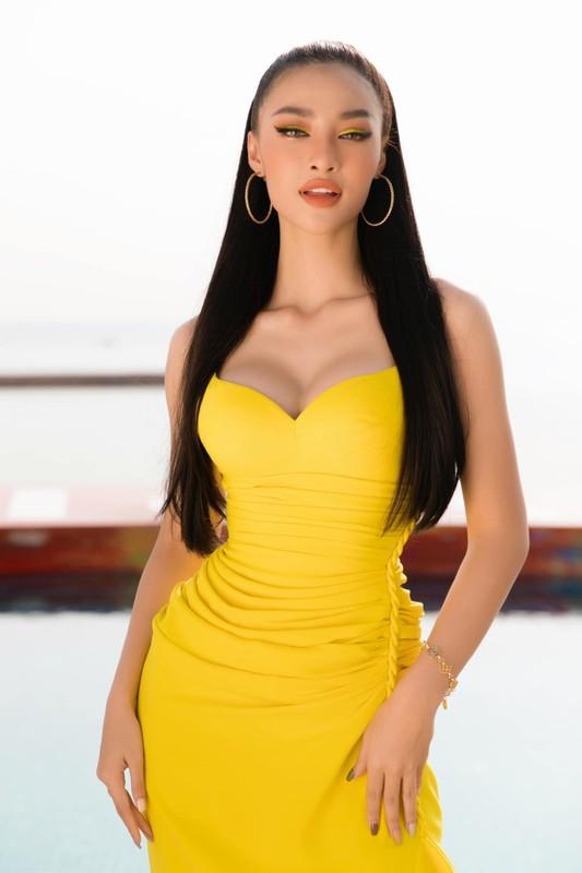 """Kieu Loan """"buc tu"""" vong 1, do sac cung dan hoa hau, a hau"""