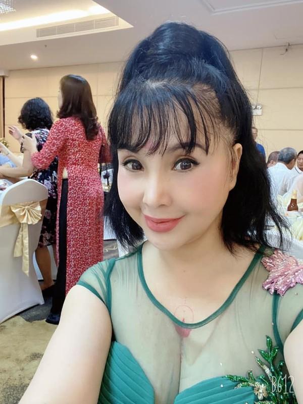 "Len chuc ba, NSND Lan Huong ""Em be Ha Noi"" van tre trung, ""xi-tin""-Hinh-5"