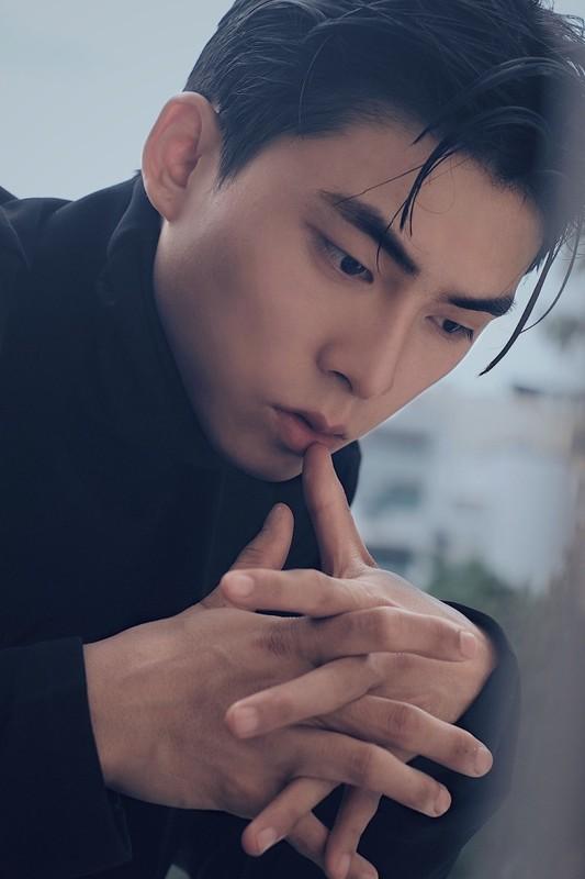 """Chan dung chang thi ve """"6 mui"""" dong canh nong voi Denis Dang-Hinh-10"""