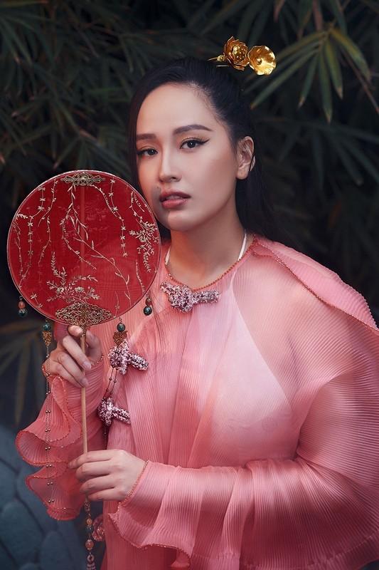 """Set do xuyen thau """"doc la"""" cua Hoa hau Mai Phuong Thuy-Hinh-4"""