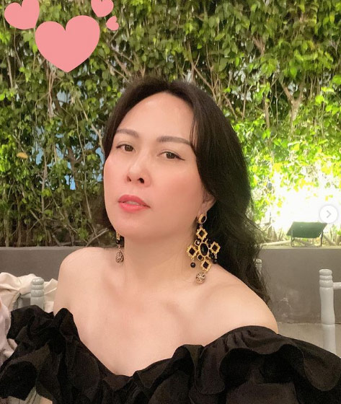 Phuong Chanel chuong vay ao tre vai, khoe ve goi cam hut mat-Hinh-8